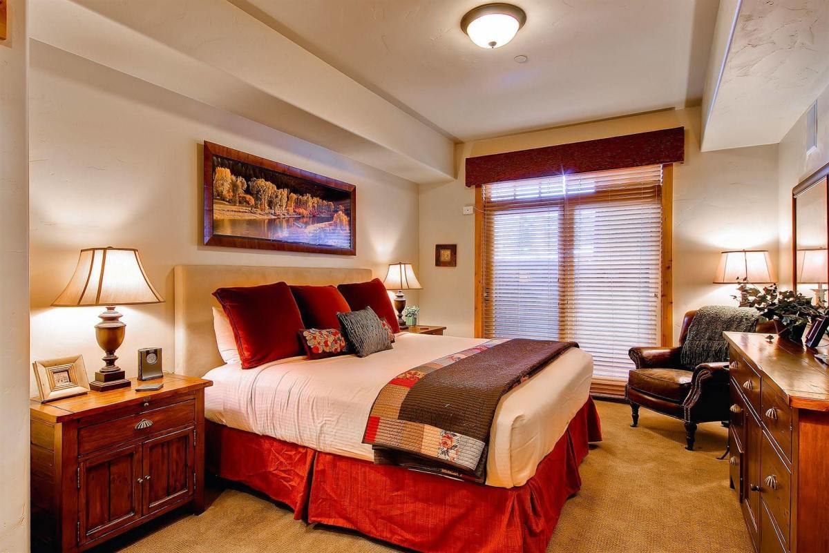 Room at Trappeurs Crossing Resort & Spa - Platinum Collection.