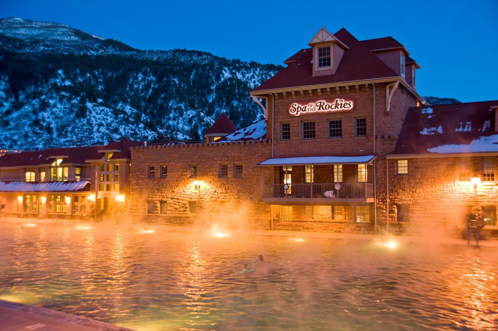 Glenwood Hot Springs Pool Twilight Spa of the Rockies