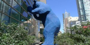 iamge of big blue bear