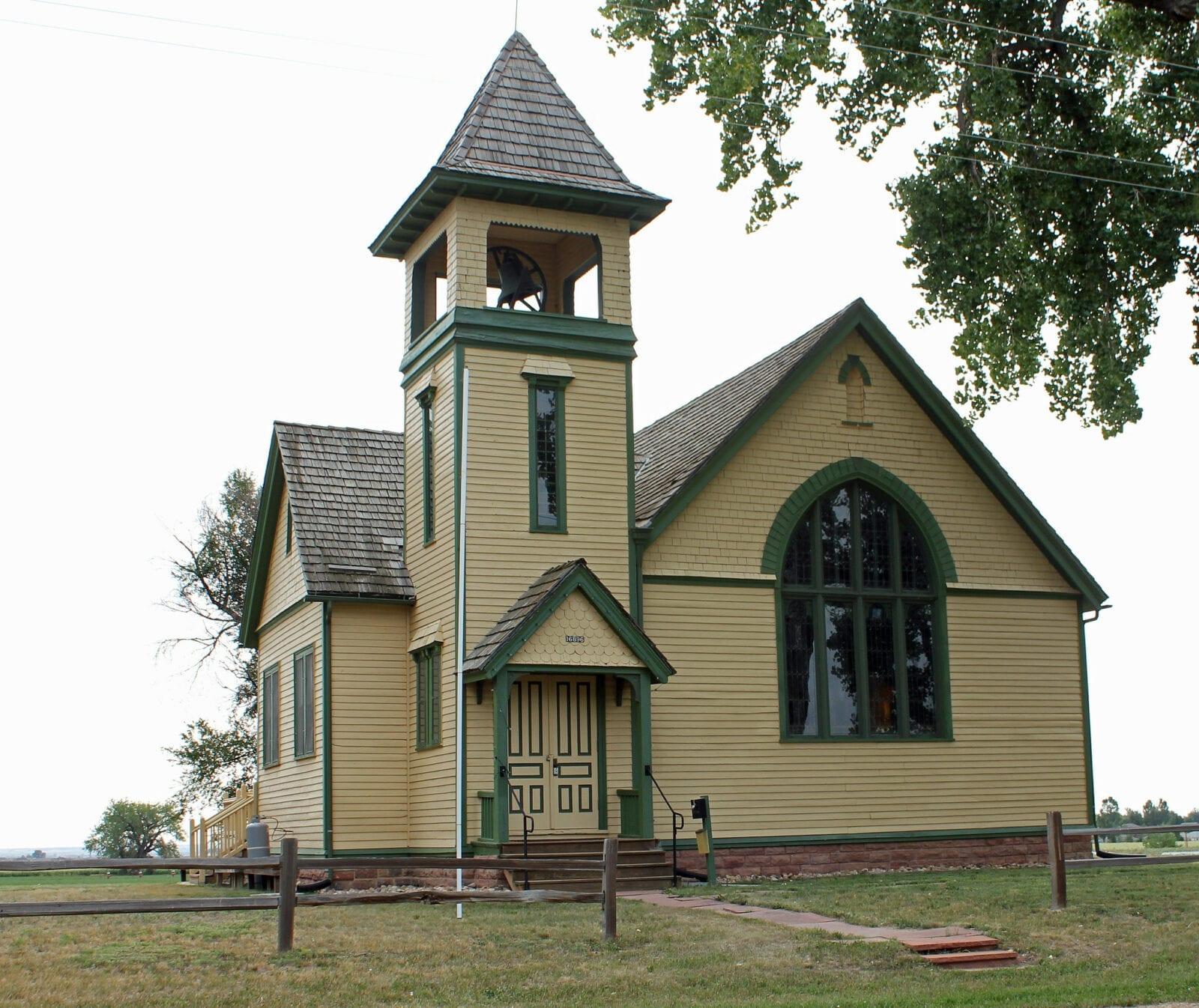 image of the highland lake church