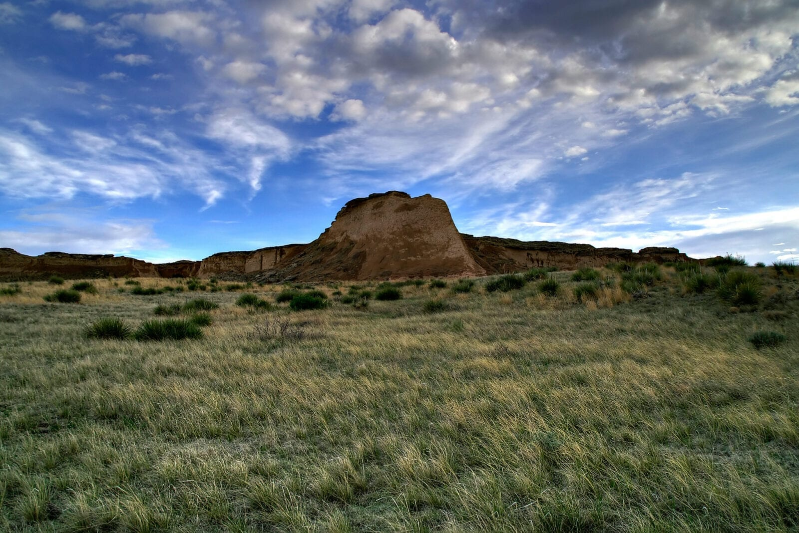 image of pawnee buttes