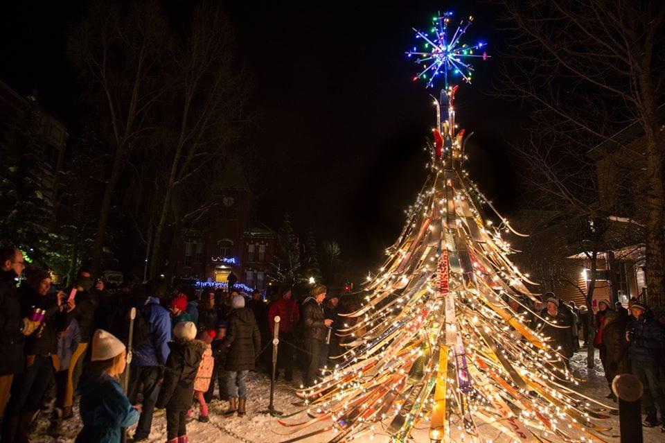image of ski christmas tree