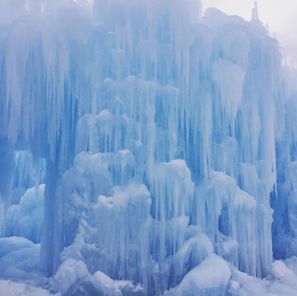 image of ice castles in Dillon Colorado