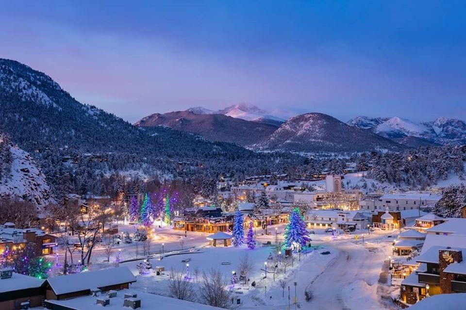 image of estes park in the winter