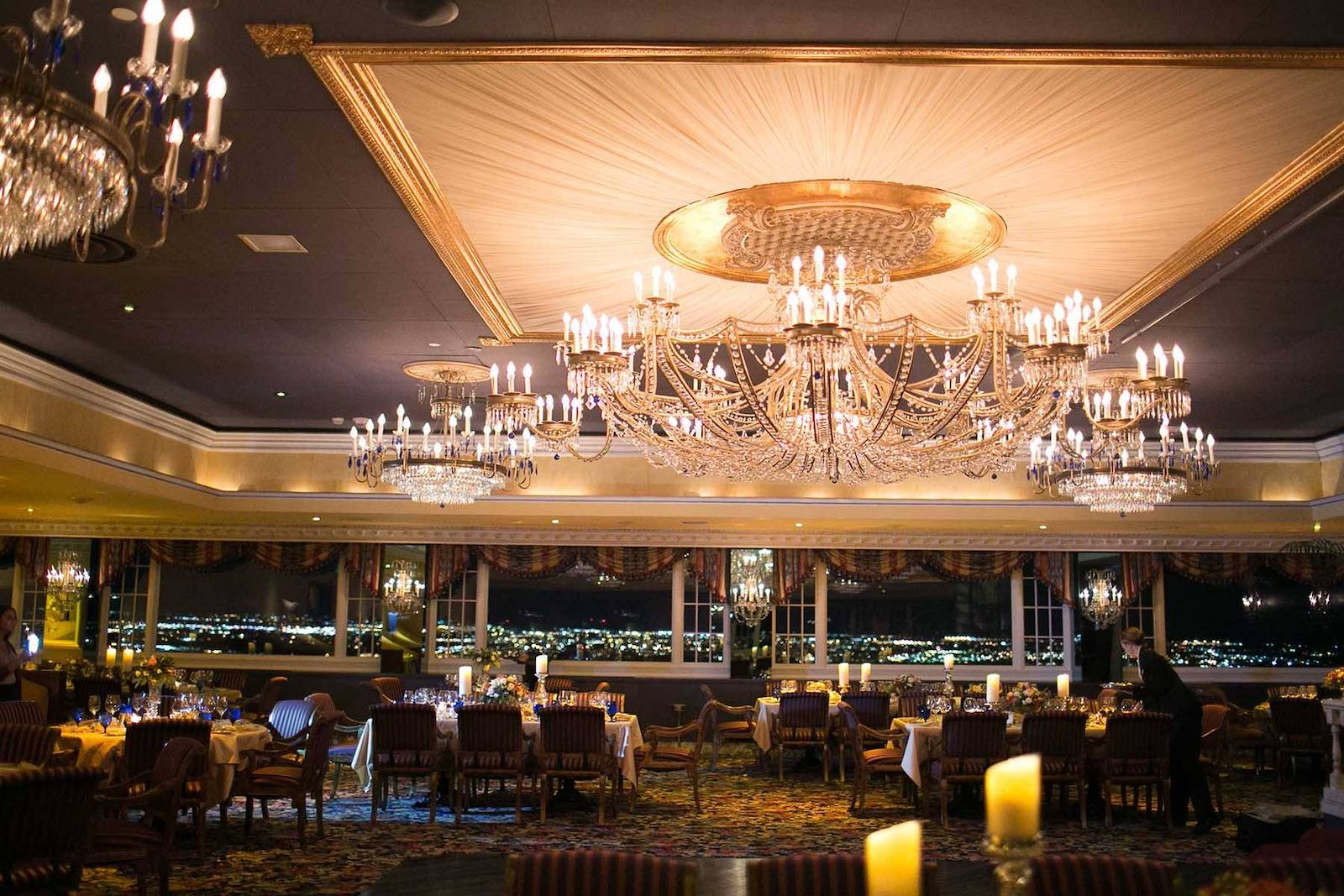 Penrose Room Chandeliers Colorado Springs Fine Dining Restaurant