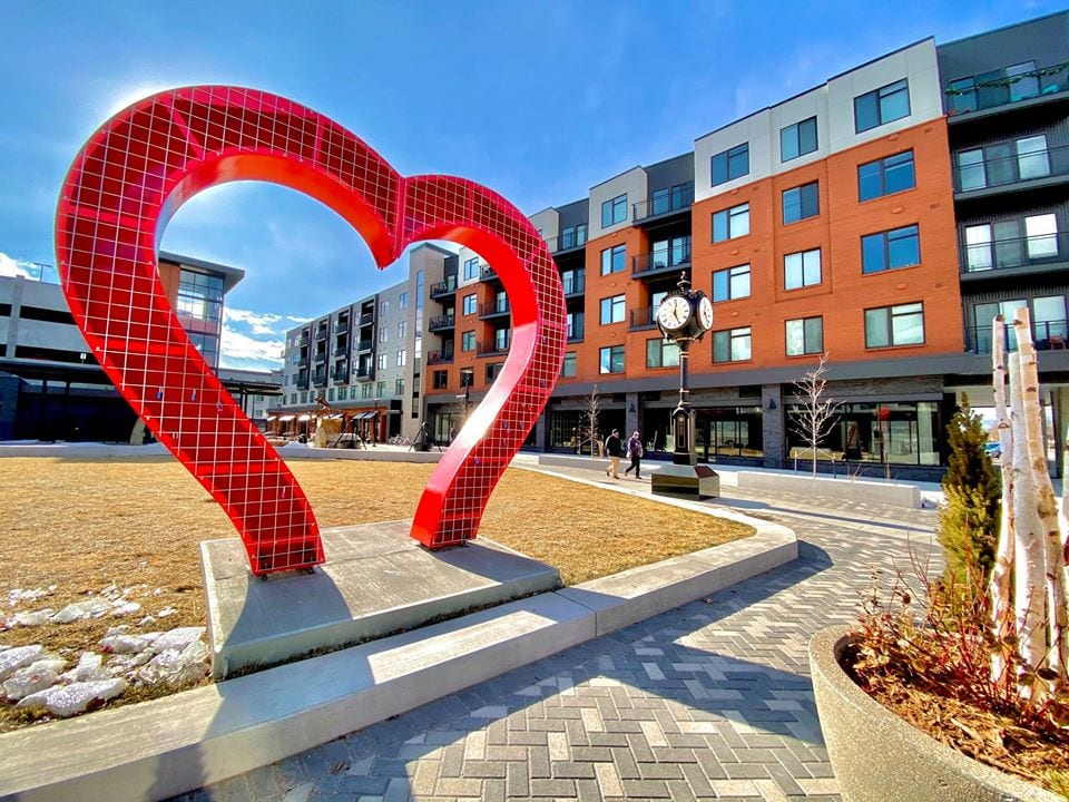Lovelock sculpture Loveland Sweetheart Classic