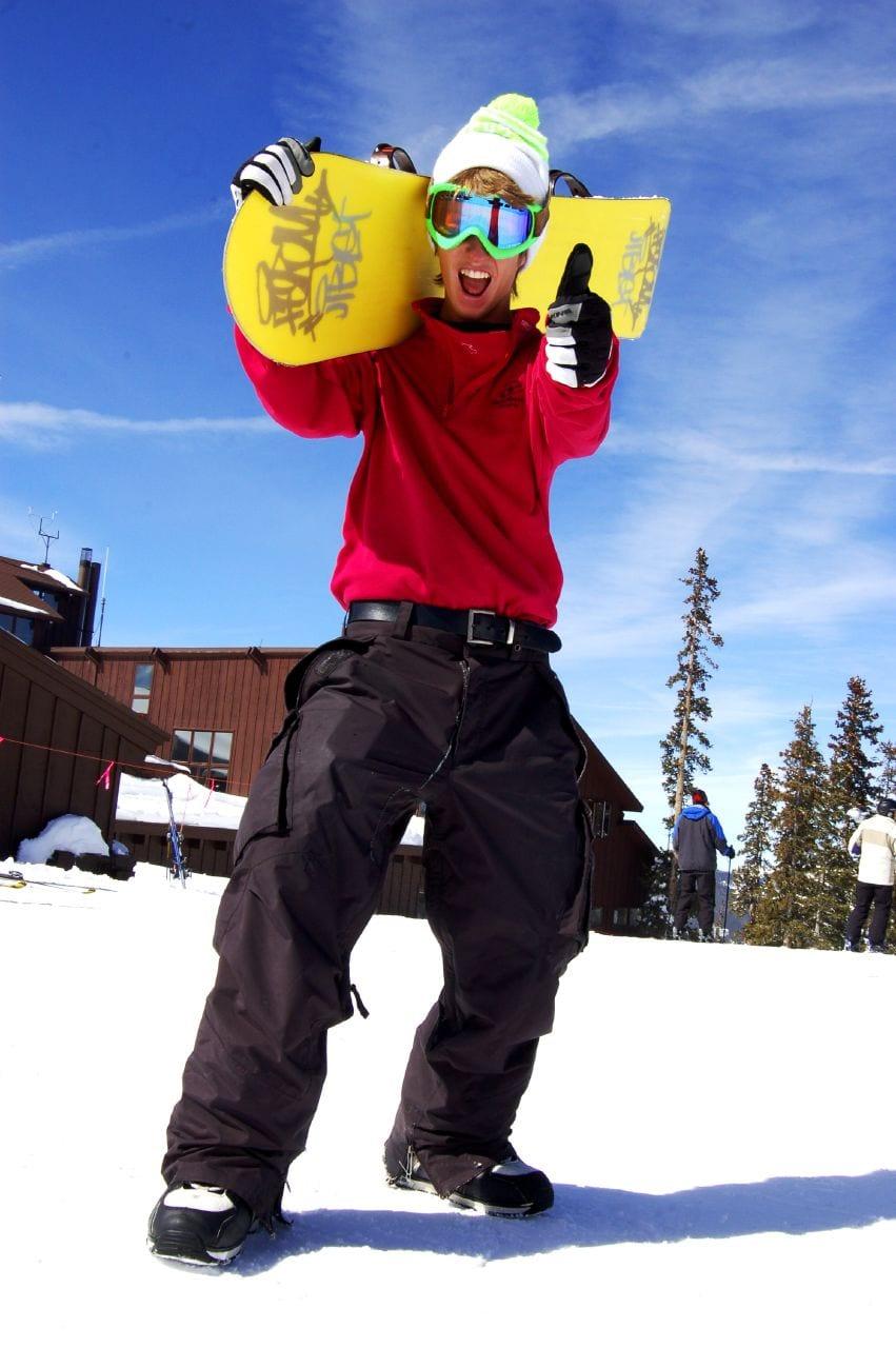 Colorado Slang Snowboarder with Gaper Gap