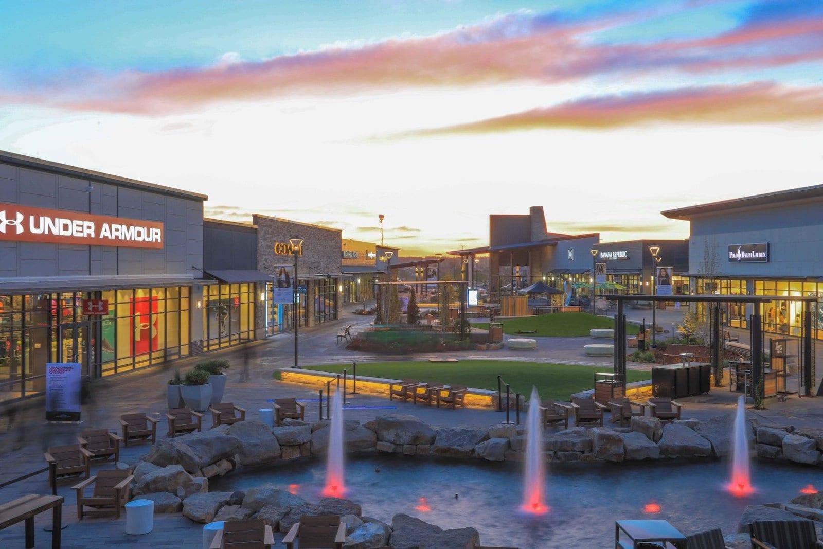 Denver Premium Outlets, CO