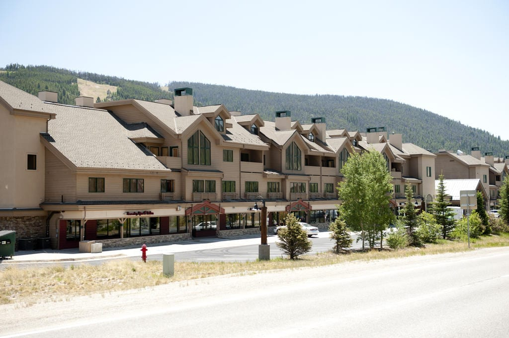 image of gateway mountain lodge keystone