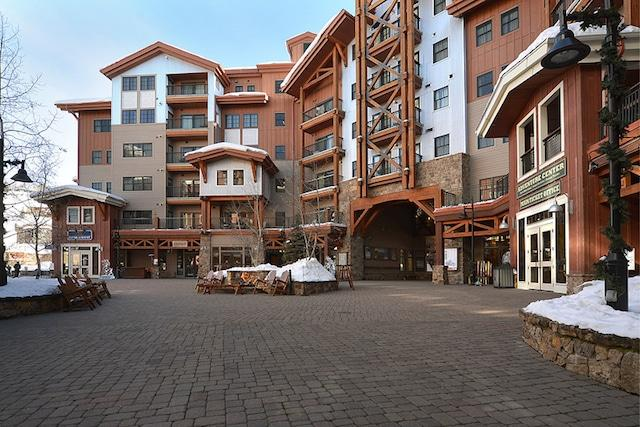 the lodge at mountaineer square