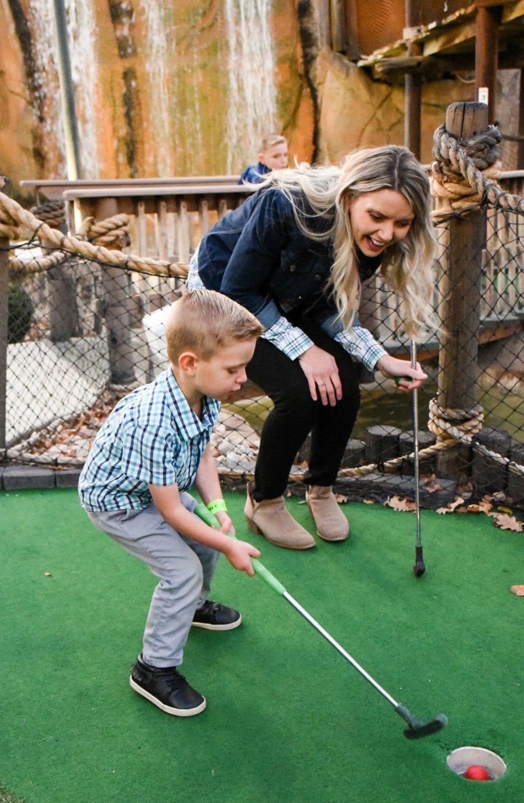 Miniature Golf Courses in Boondocks Fun Center, CO