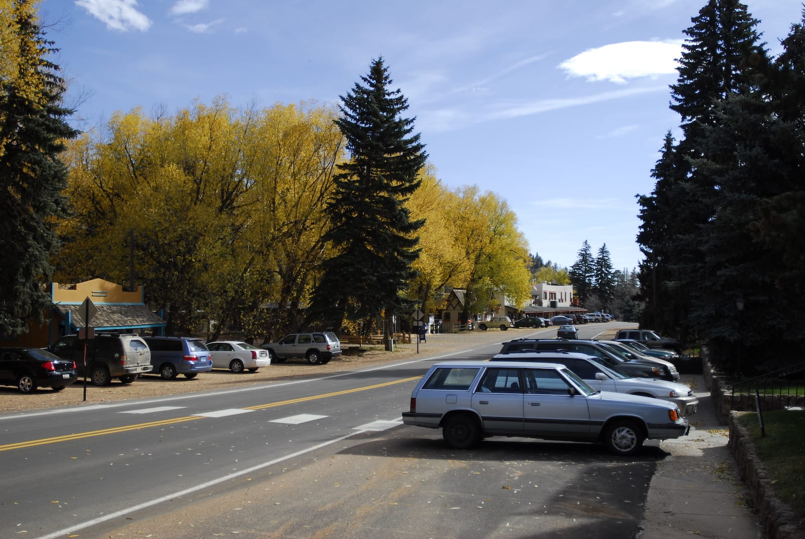 Ute Pass Avenue Green Mountain Falls CO Autumn