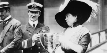 Molly Brown Hands Award to Titanic