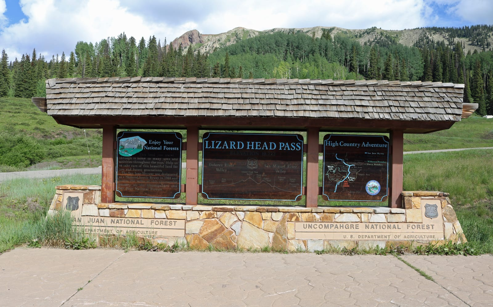 The sign for Lizard Head Pass, CO