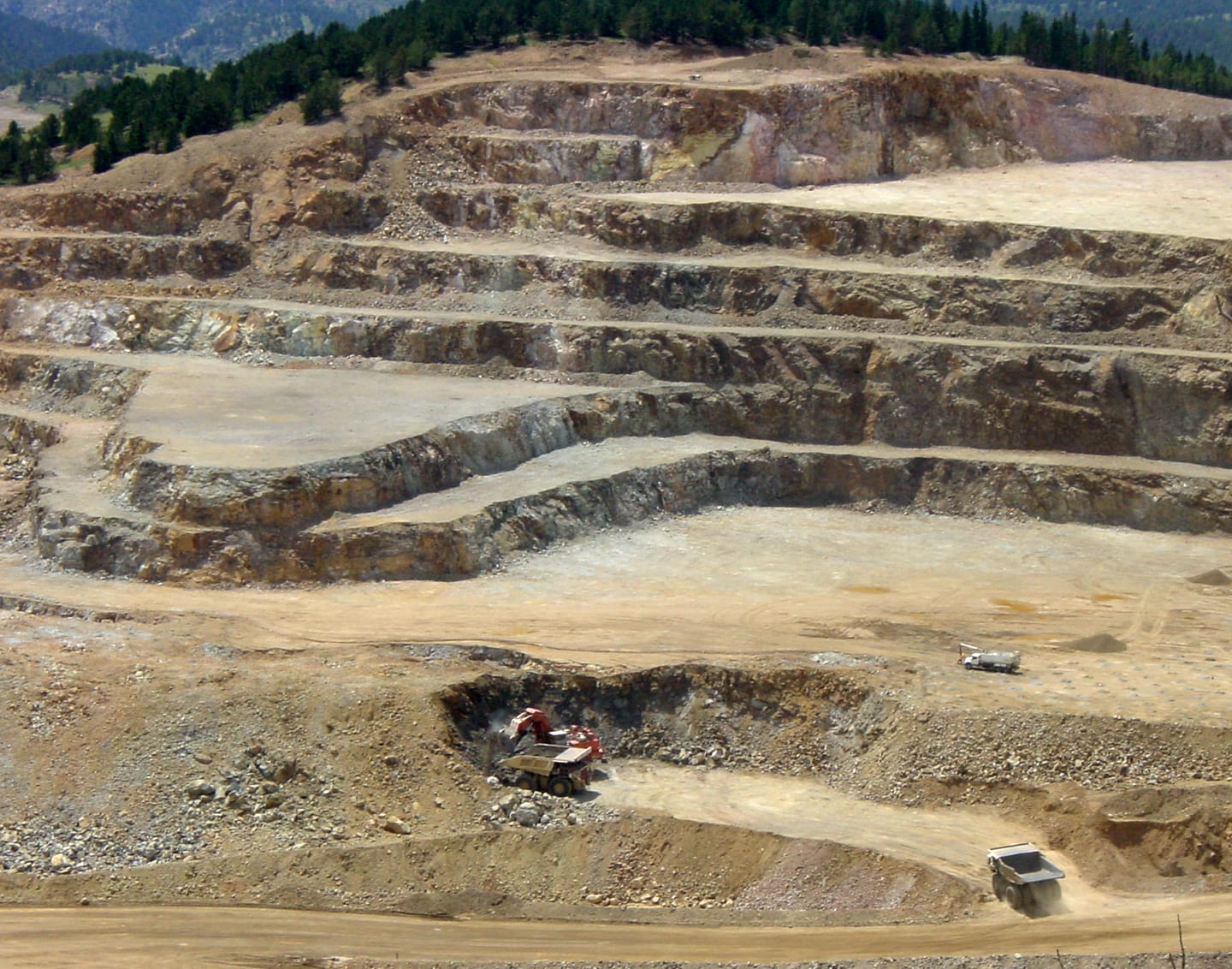 Cripple Creek and Victor Open Pit Gold Mine