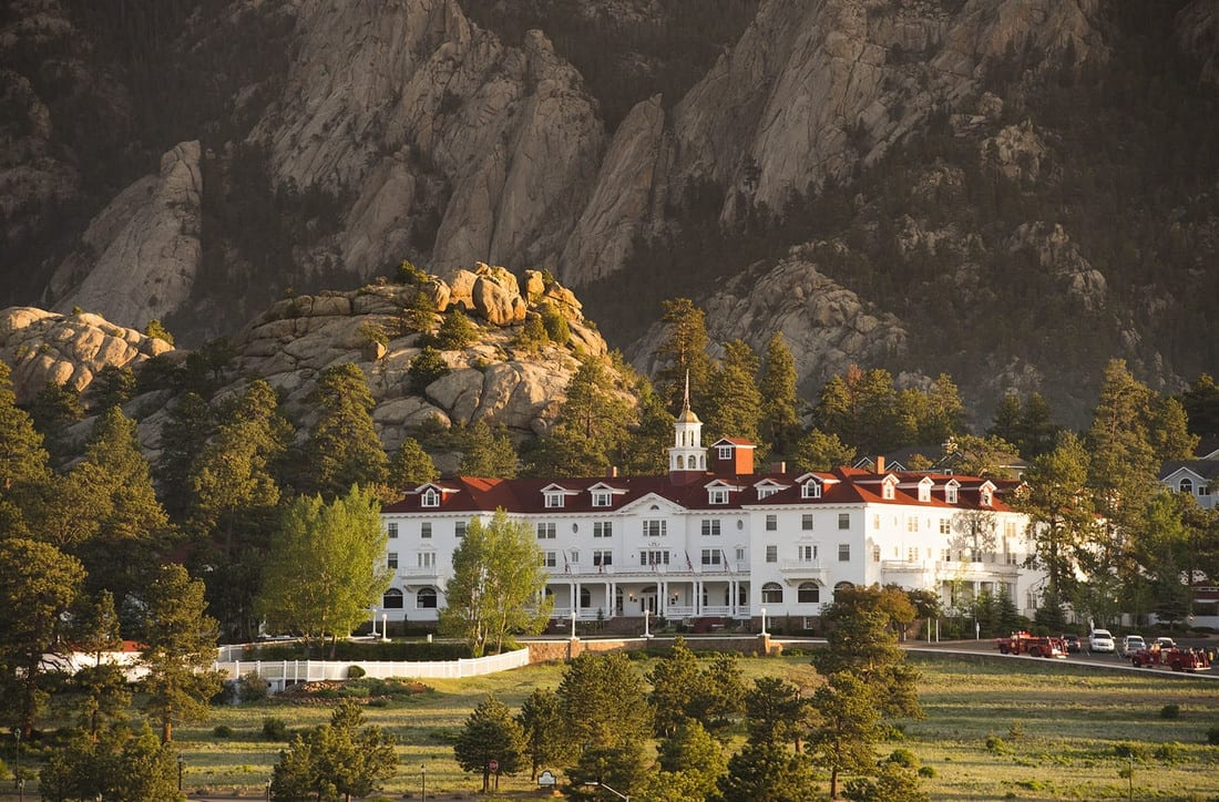 image of the stanley hotel estes park