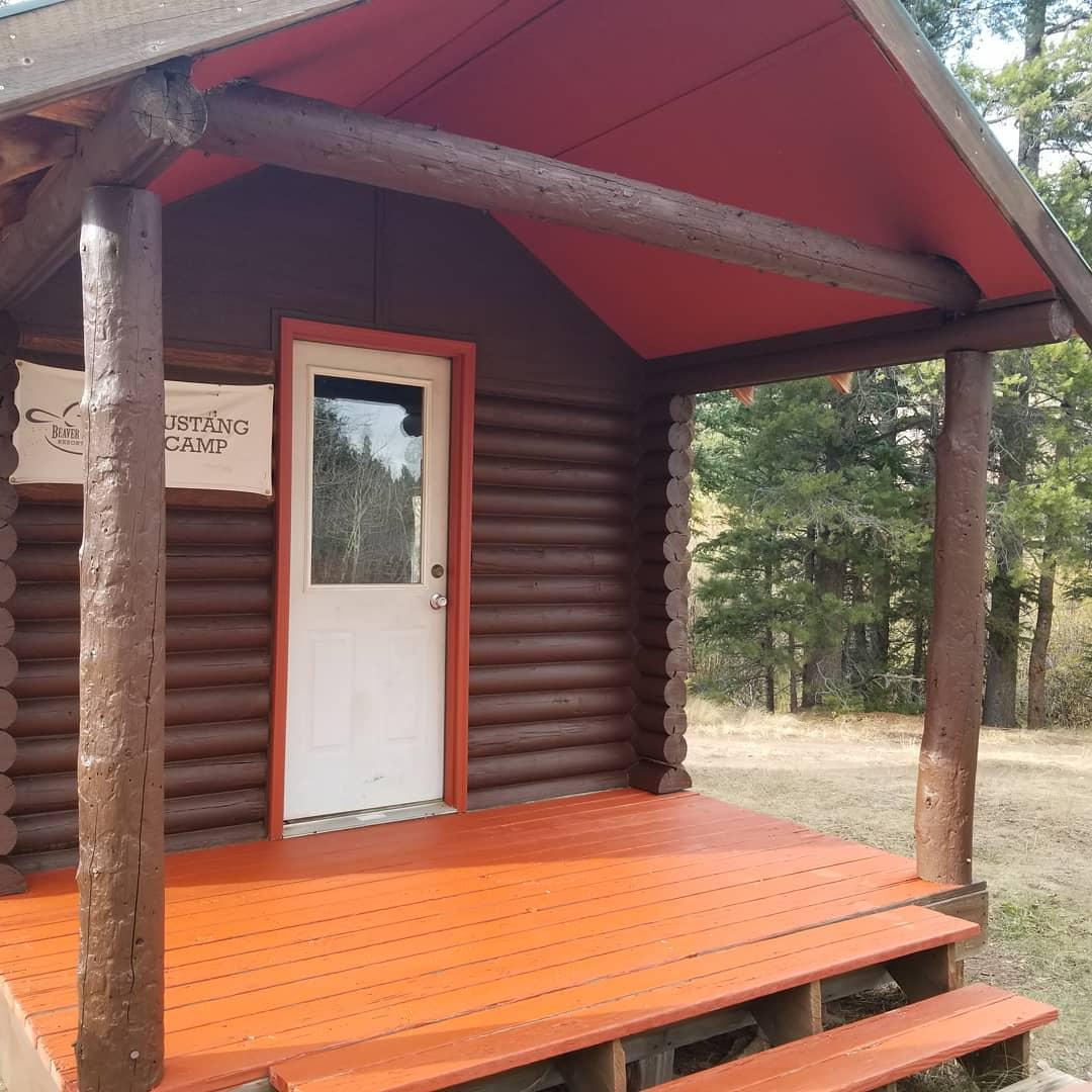 image of cabin at beaver meadows resort