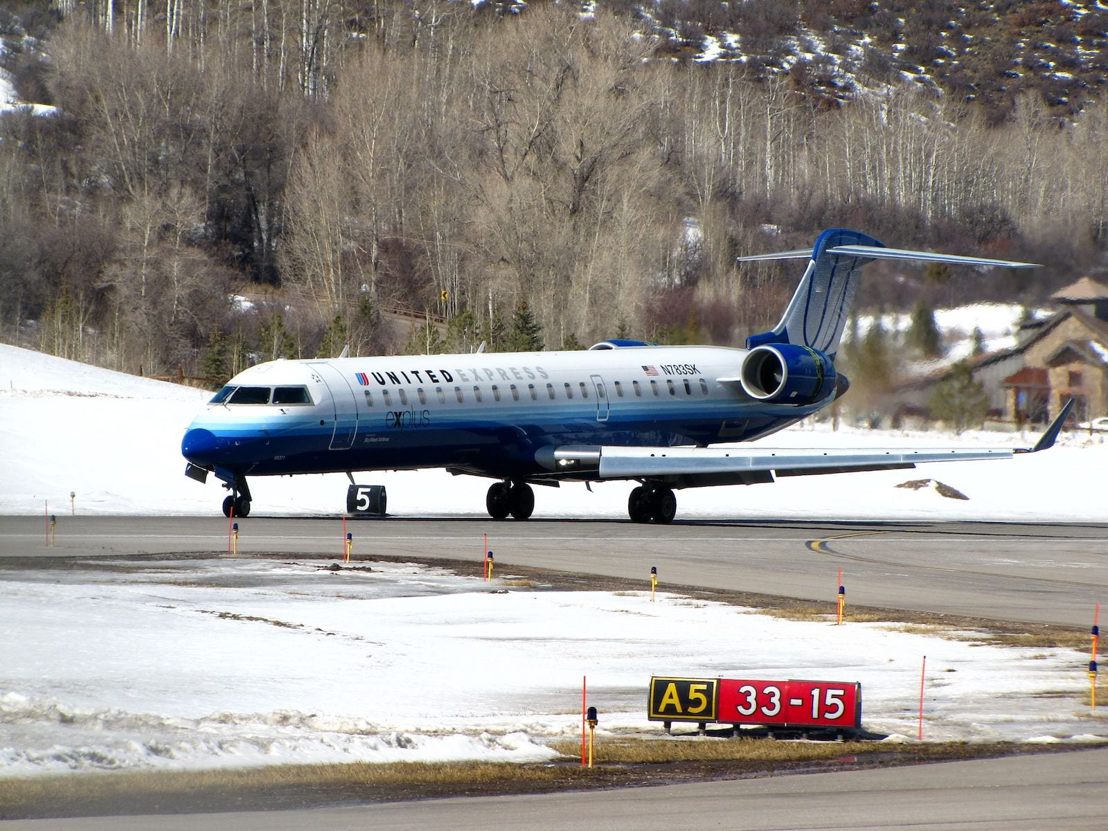 Aspen-Pitkin County Airport United Airplane Winter