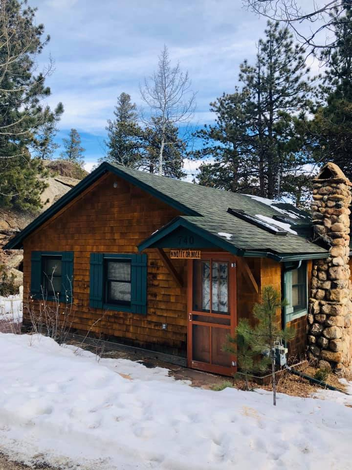 image of pine creek cabins