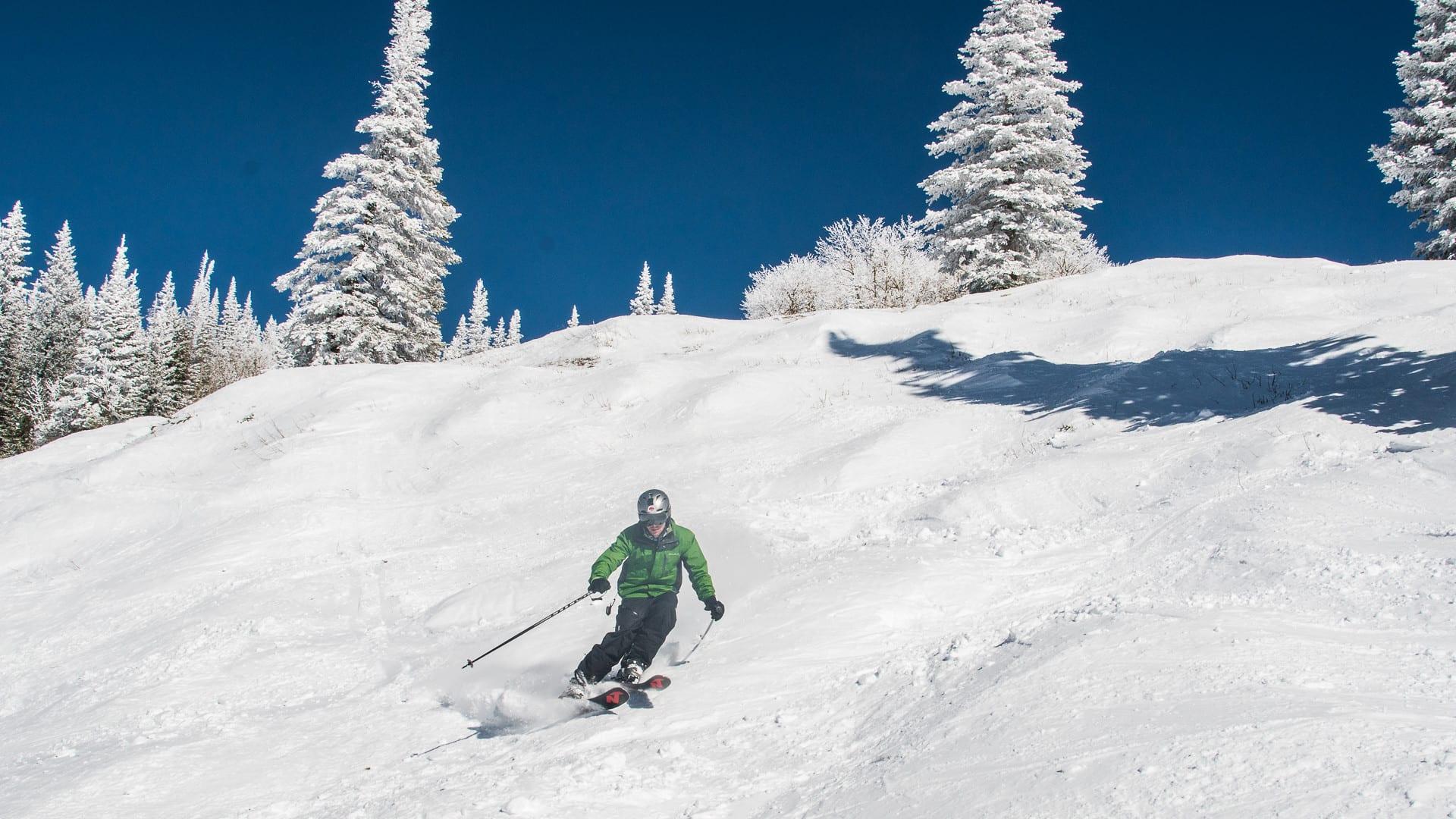 image of skiing at steamboat ski resort