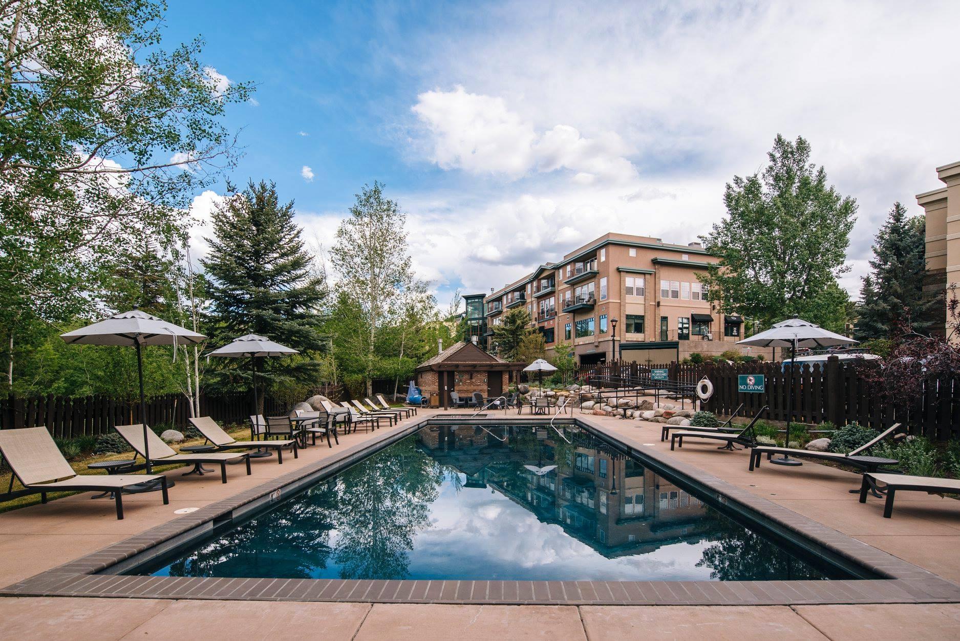 image of the pool at inn at riverwalk