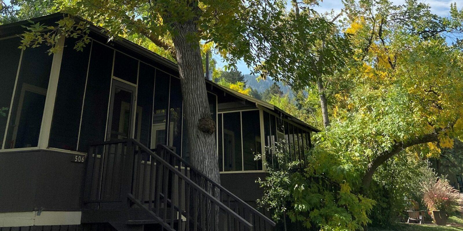 image of cottage at colorado chautauqua