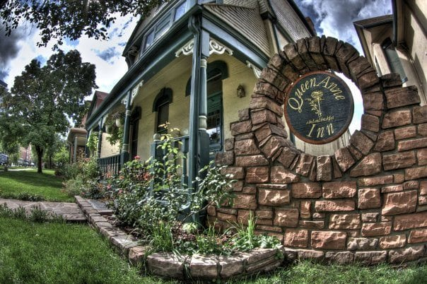 image of queen anne bed and breakfast