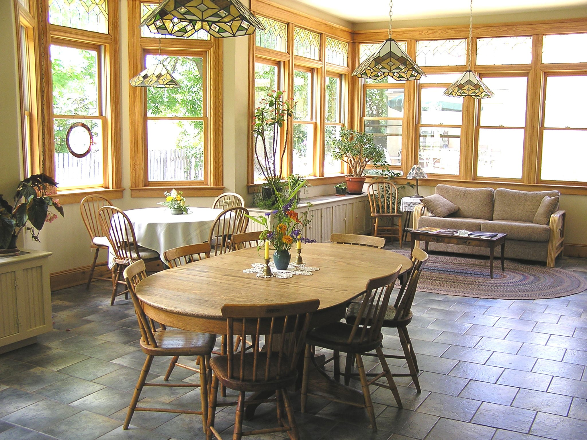 image of sunroom at 1899 bed and breakfast