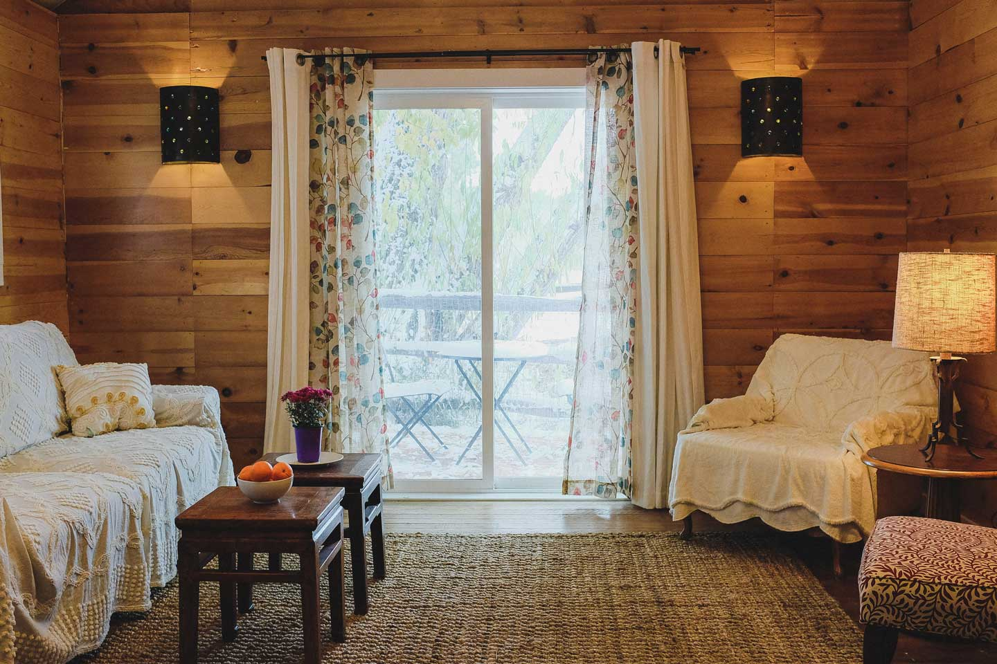 image of white pine cabin at rist canyon inn
