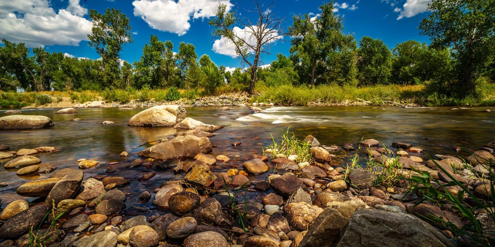 Image of the cache la-poudre river in colorado