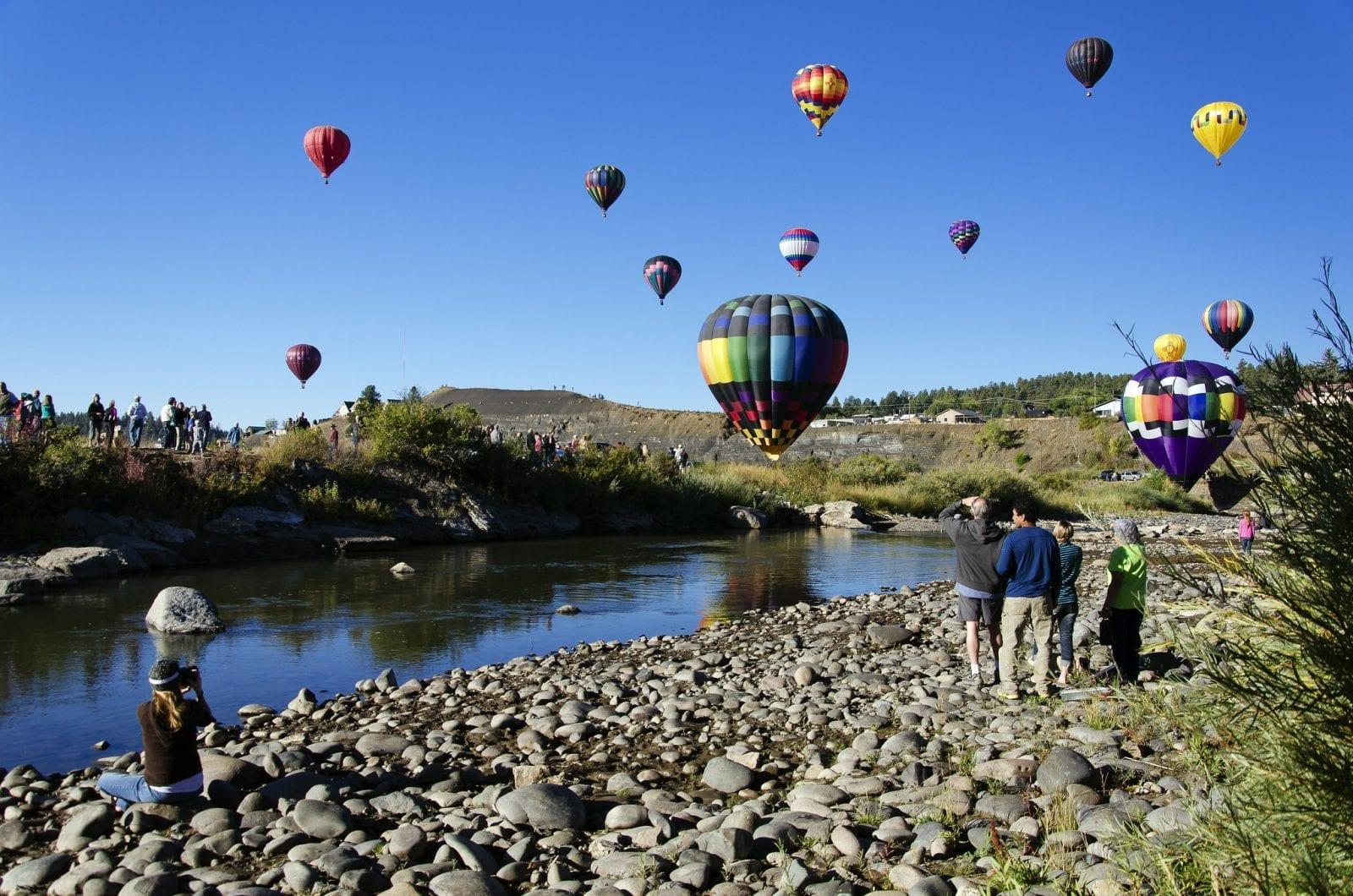 Image of a hot balloon festival at the San Juan River