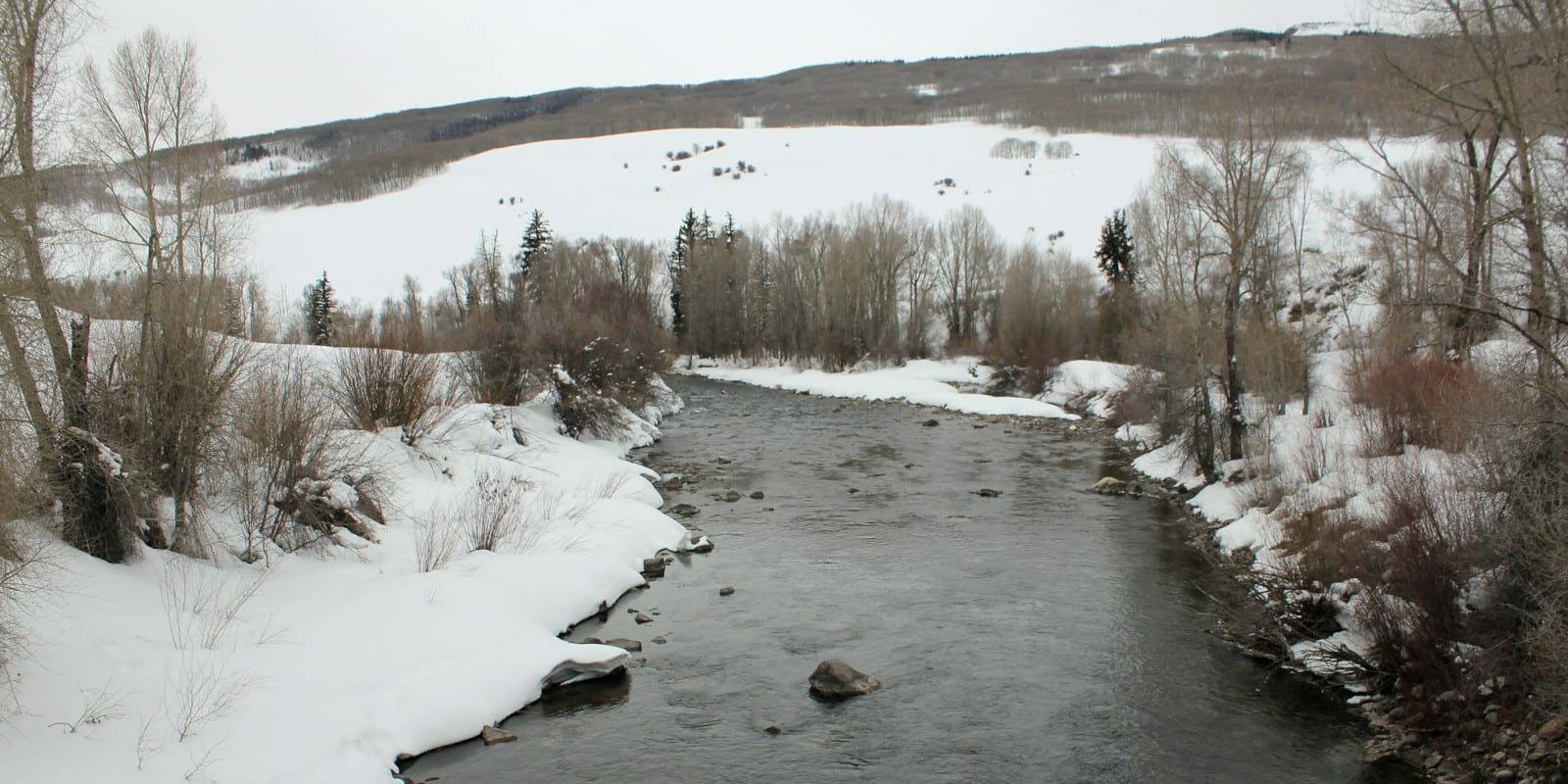 Image of the East River during winter