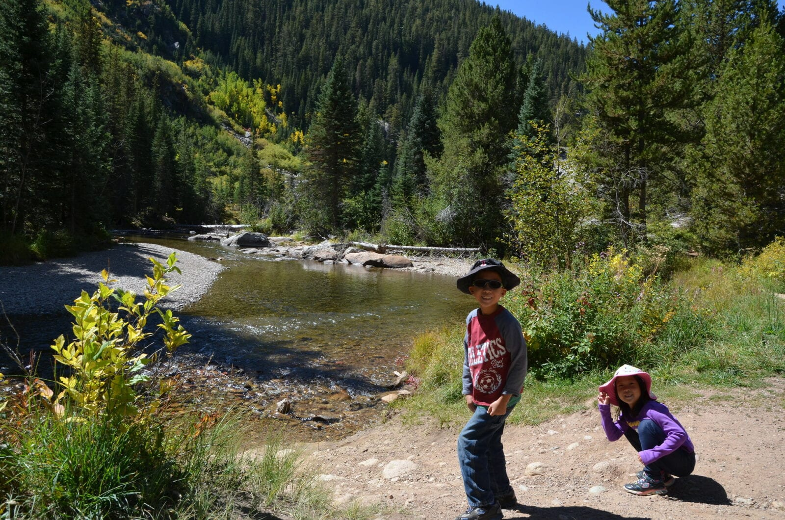 Image of kids on the Grottos Trail in Aspen, Colorado