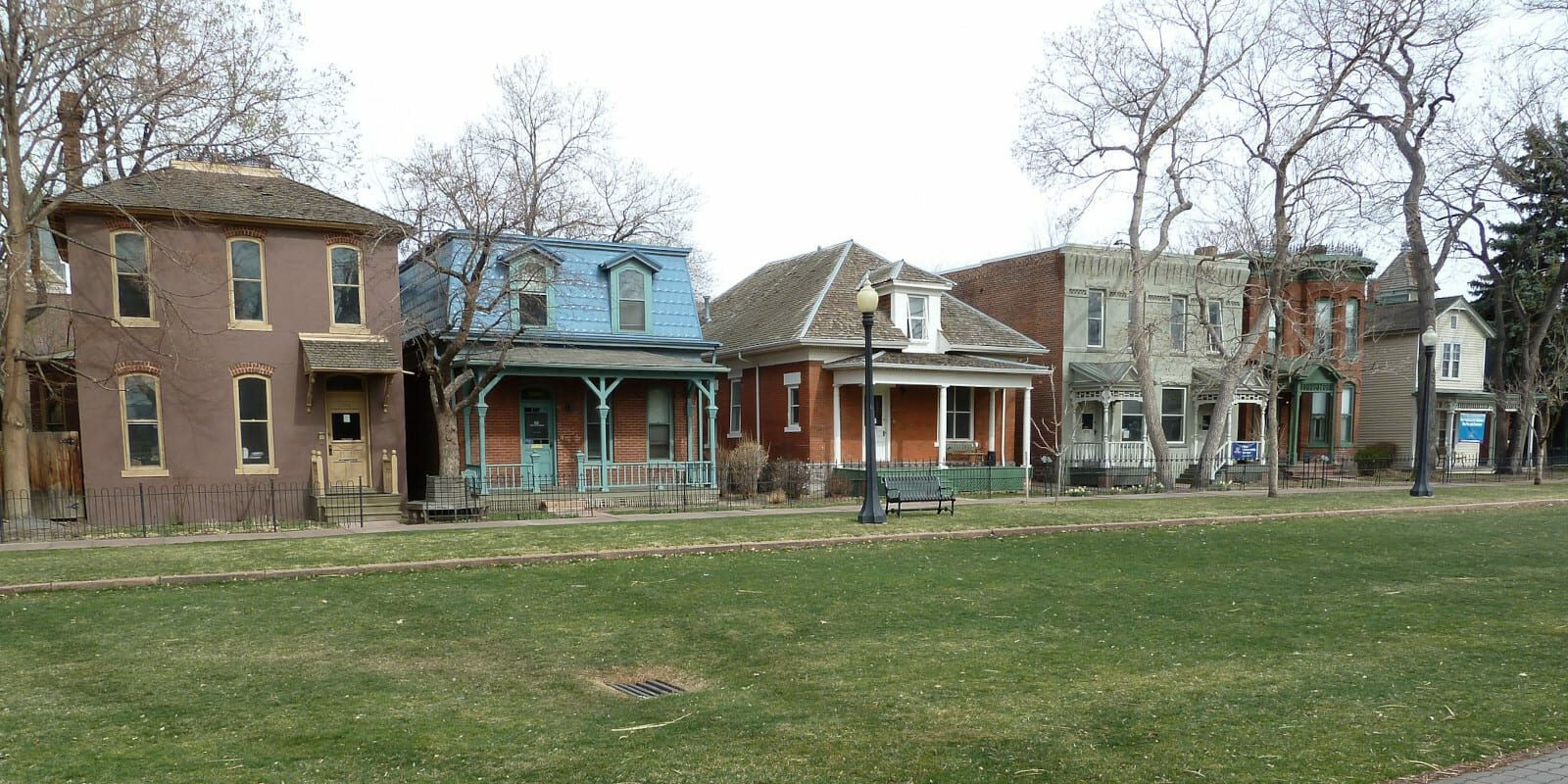 Image of the houses within the ninth street historic park in denver, colorado