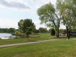 Image of the Rocky Mountain Lake Park in Denver, Colorado
