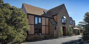 image of tudor rose bed and breakfast