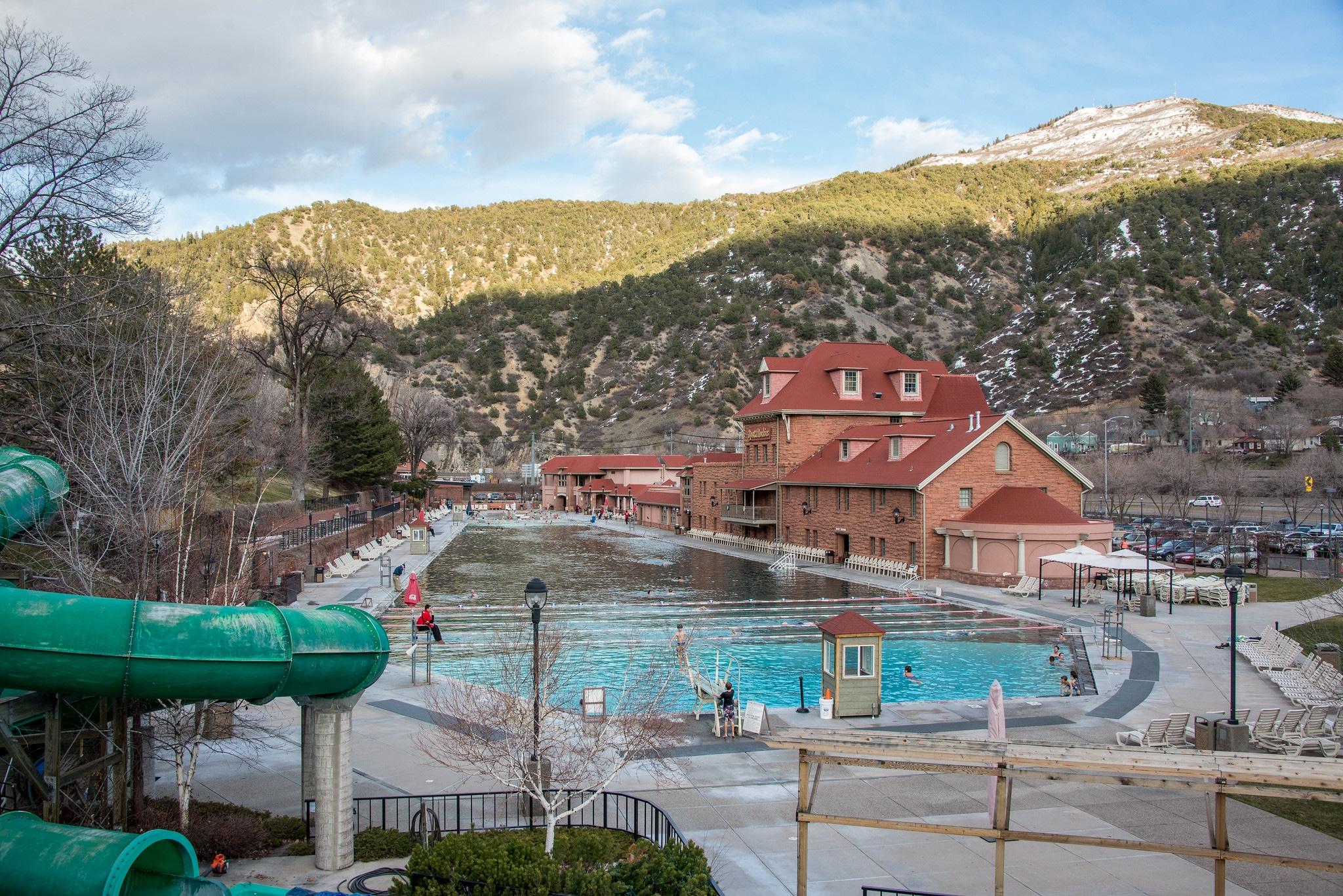 image of glenwood hot springs pool
