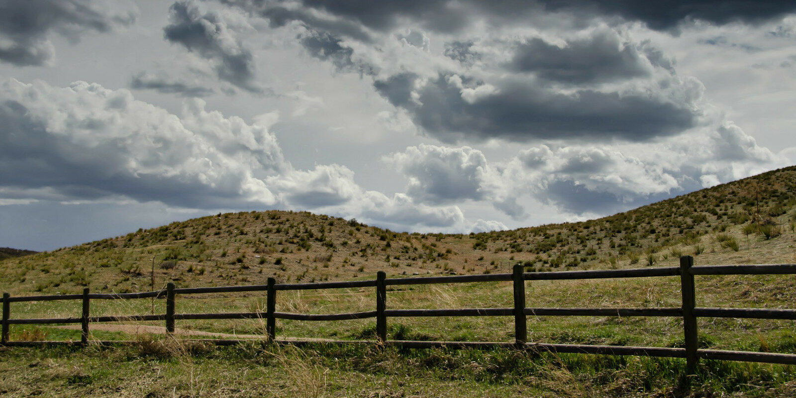 Image of the Bluffs Regional Park in Lone Tree, Colorado