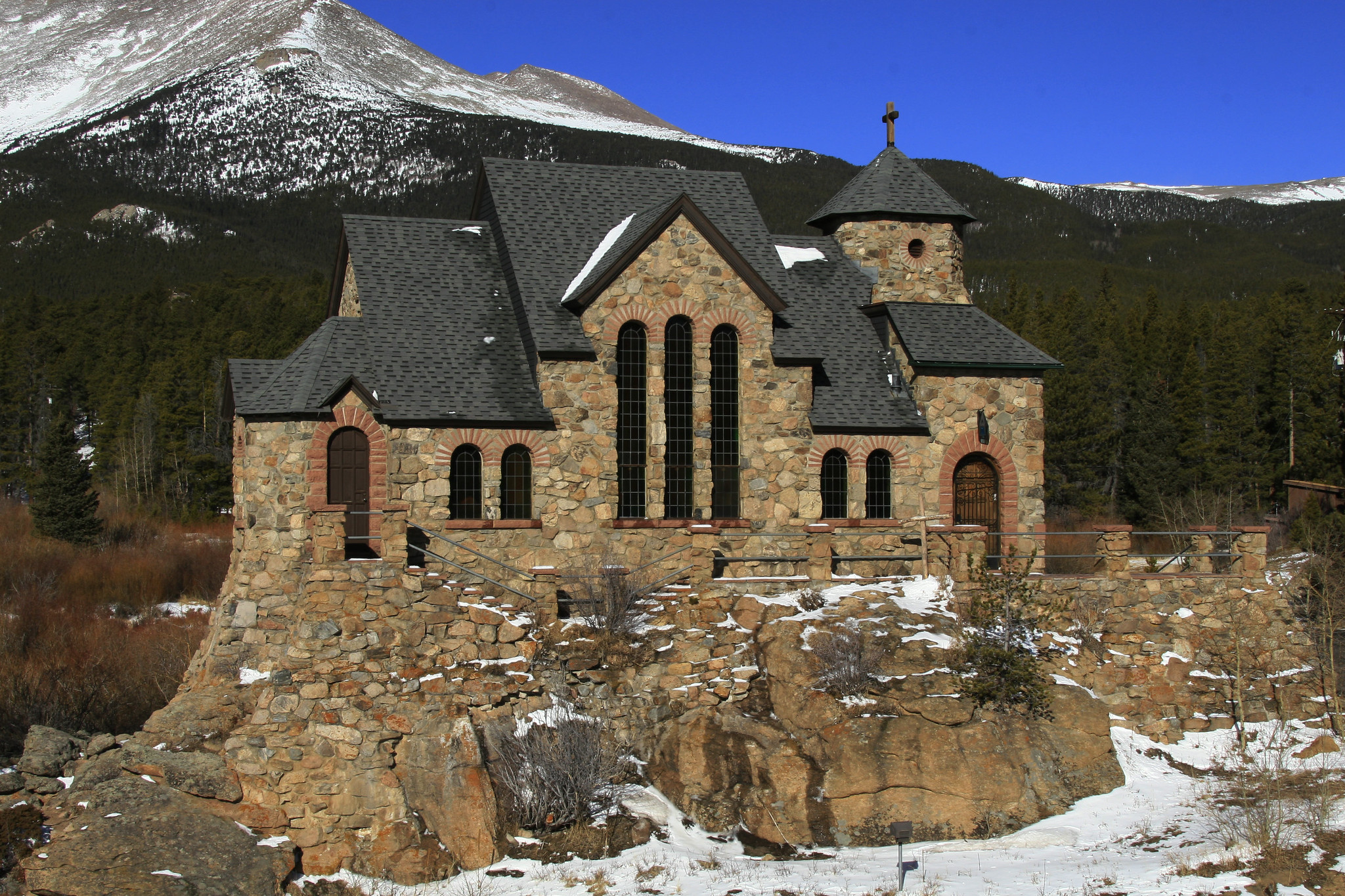 image of the chapel on the rock