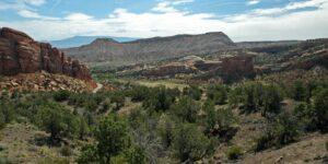 Hiking No Thoroughfare Canyon Colorado National Monument