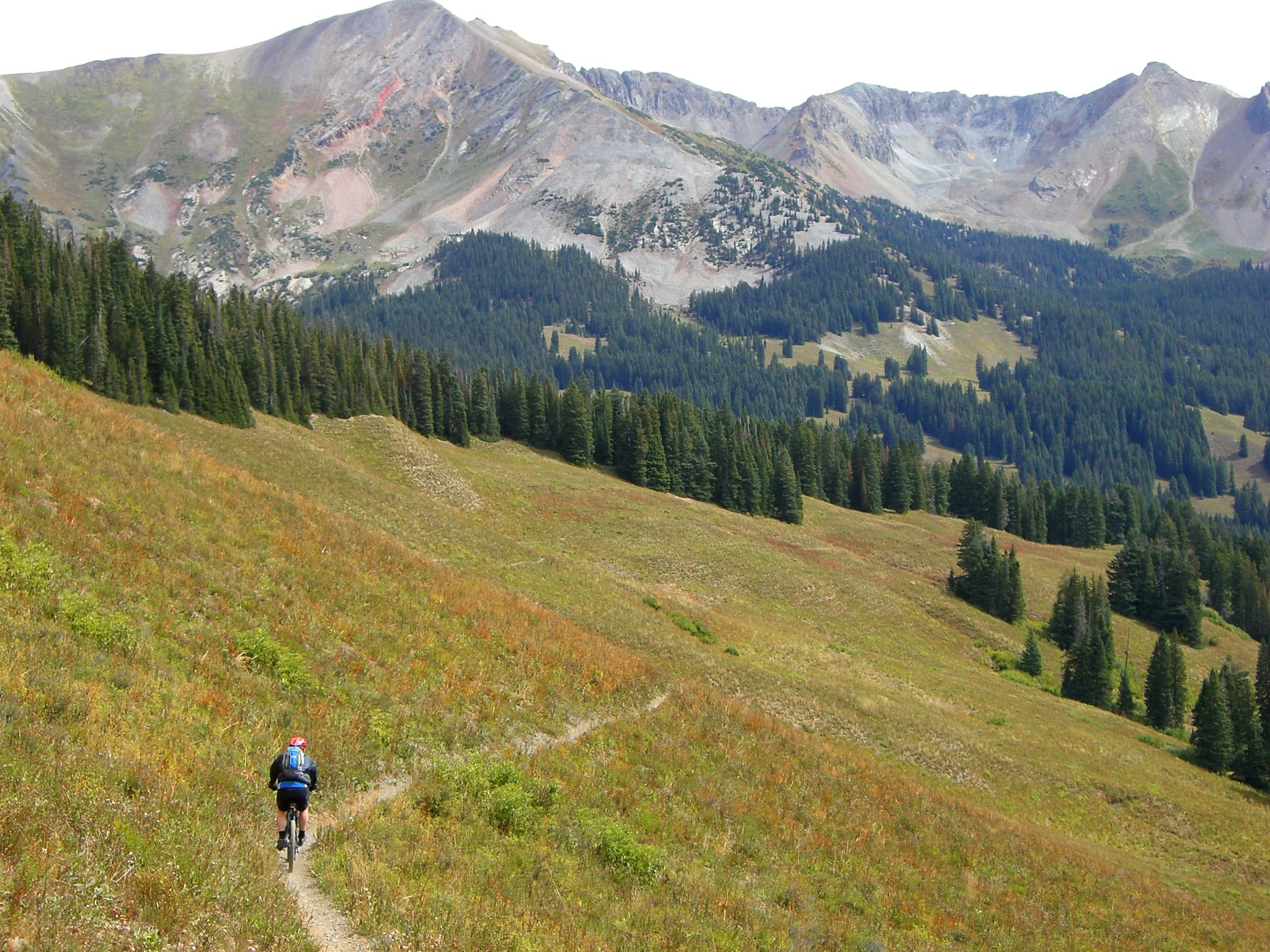 image of mountain biking in crested butte