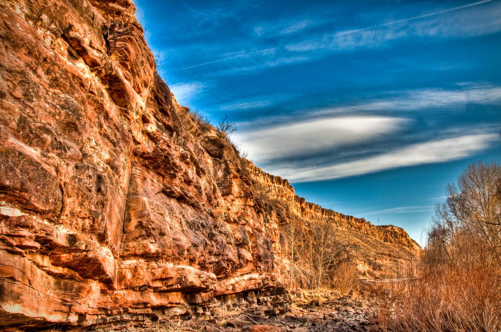 Image of the rock walls at Watson Lake SWA in Bellvue, Colorado