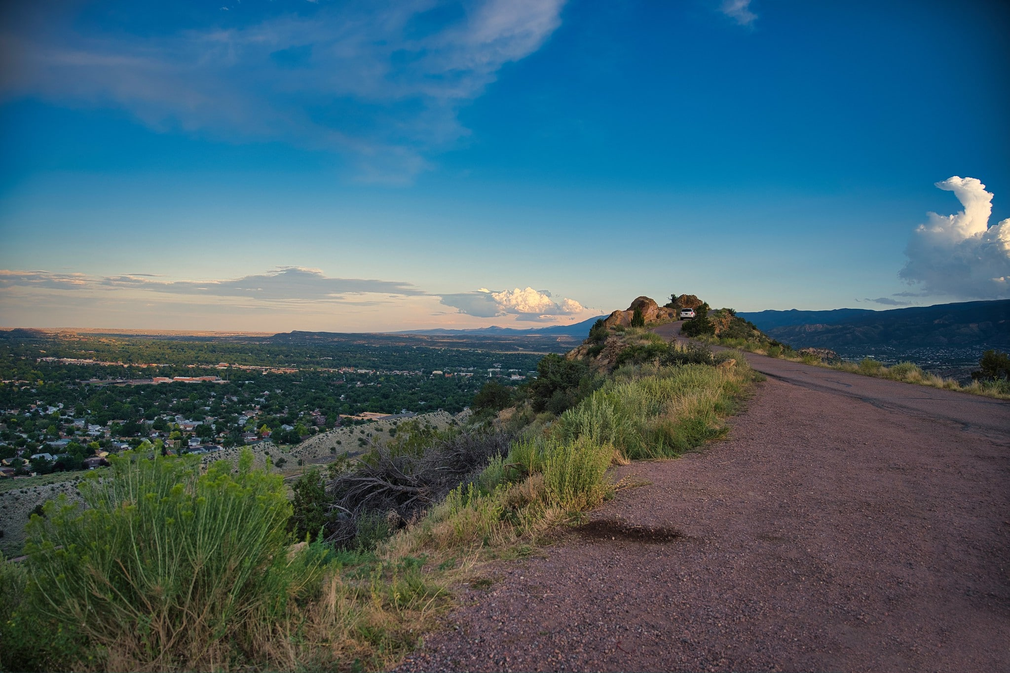 image of skyline drive in canon city