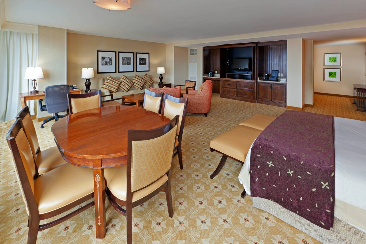 image of king suite at denver marriott south lone tree
