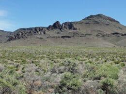 Image of the Manassa Dike in Colorado