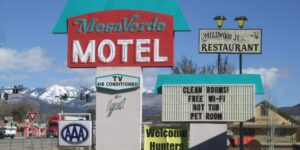 image of mesa verde motel