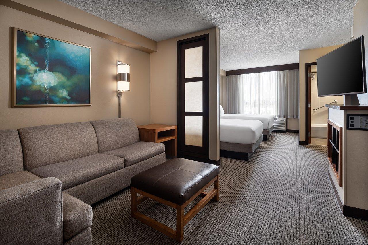 image of suite at hyatt place park meadows