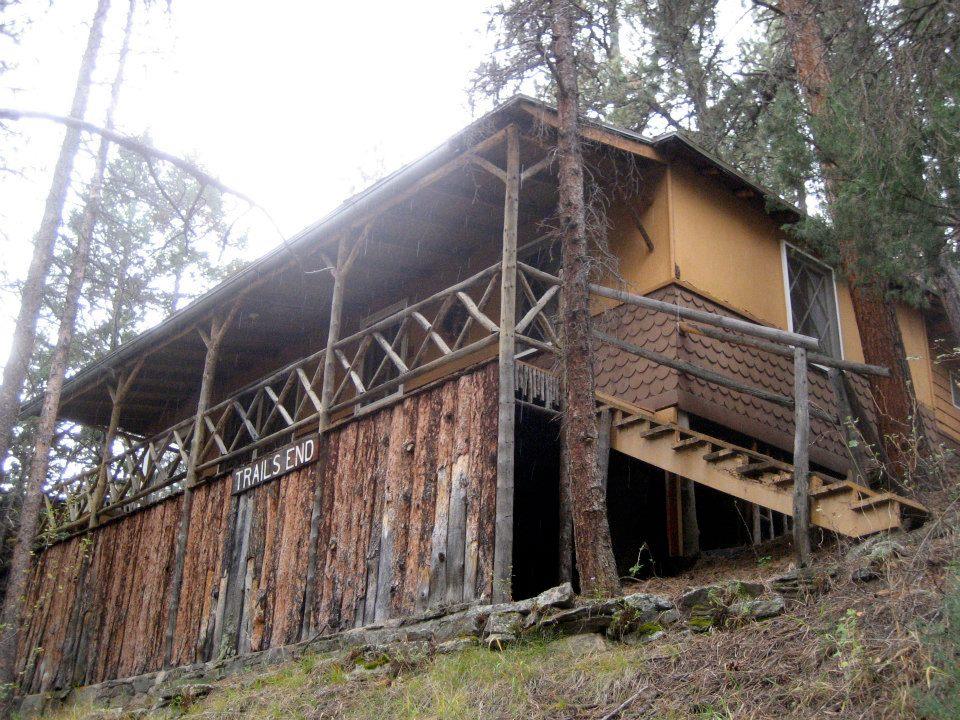 gambar trails end cabin di glen isle resort