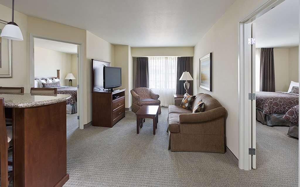 image of suite at sonesta es suites lone tree
