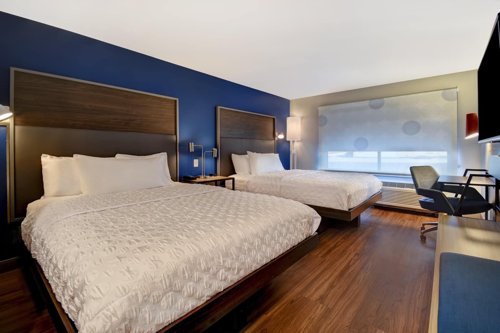 image of two queen room at tru by hilton denver south